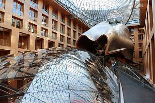 So sah der Konferenzsaal im AXICA am Brandenburger Tor beim East Forum Berlin von oben aus.