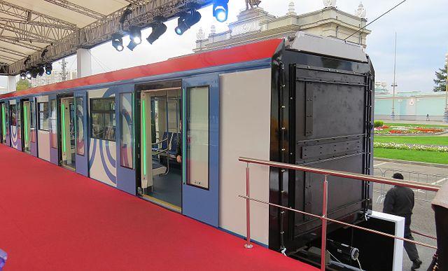 Die neue Metro kommt mit breiteren Türen daher.